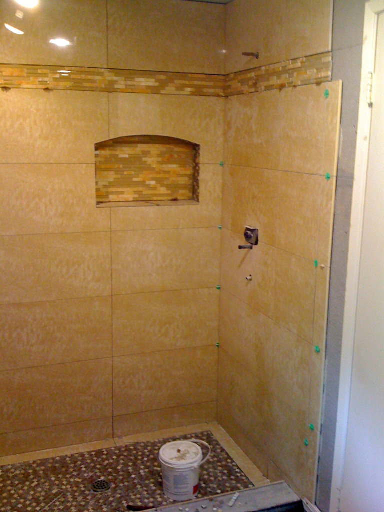 Bathroom shower tile ideas home interior and furniture ideas for Bathroom remodel ideas with bathtub