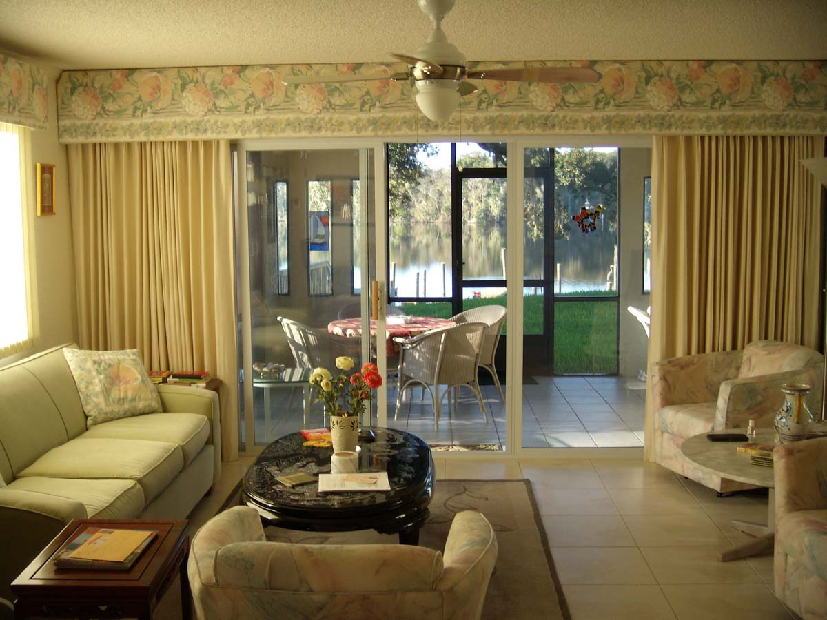 Curtains Living Room Decorating Making The Living Room Looks More Luxurious Home Interior And
